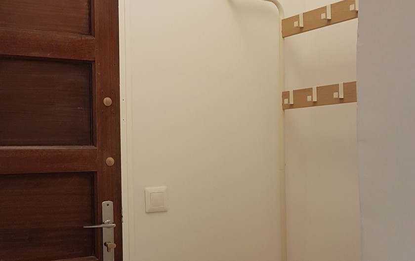 Location de vacances - Appartement à Charleval - le sas d'entrée de l'appart 5