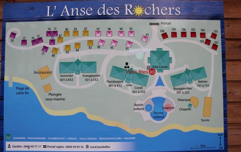 """Location de vacances - Appartement à Saint-François - plan de la résidence.  """" les colibris """" se situe au centre de bougainvillier et"""