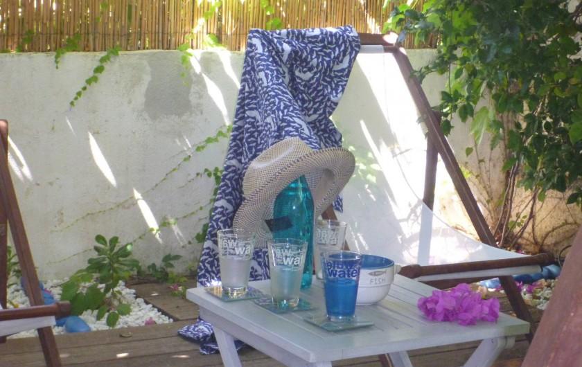 Location de vacances - Villa à Calvi - Jardin ombragé
