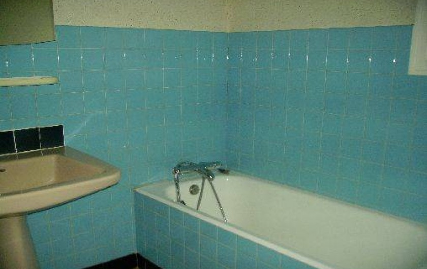 Location de vacances - Gîte à Bignan - salle de bain