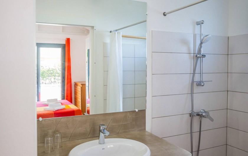Location de vacances - Villa à Sainte-Anne - Iguane House Villas & Micro Spa Villa Passion salle de douche 1