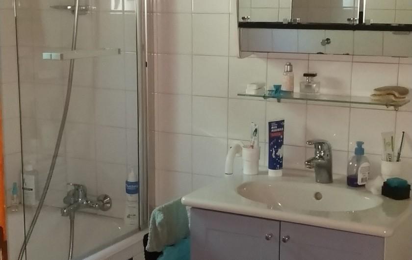 Location de vacances - Chalet à Vallouise - Salle de bain niveau séjour