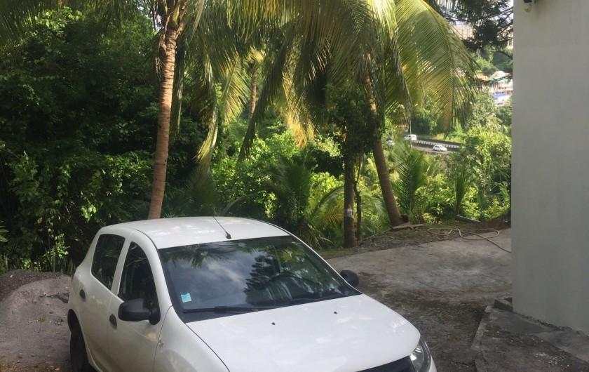Location de vacances - Appartement à Les Abymes - Possibilité de garer la voiture dans un espace sécurisé.