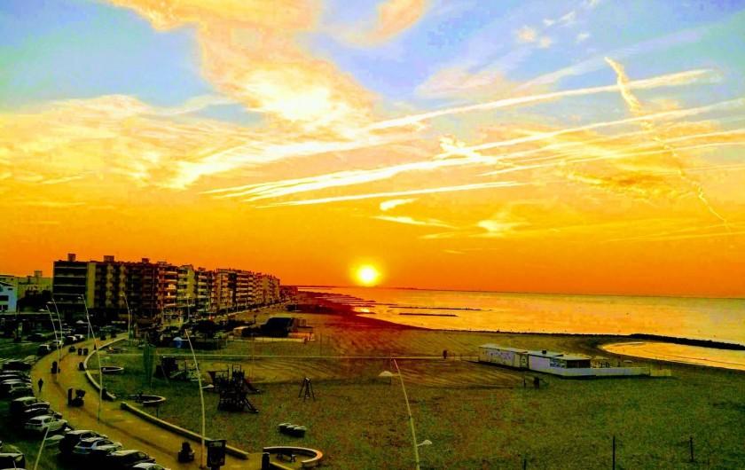 Location de vacances - Appartement à Palavas-les-Flots - Lever du soleil vue prise du balcon 15.08.2018