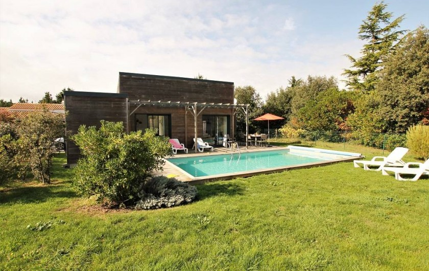 Location de vacances - Villa à Saint-Vincent-sur-Jard - Grand jardin arboré