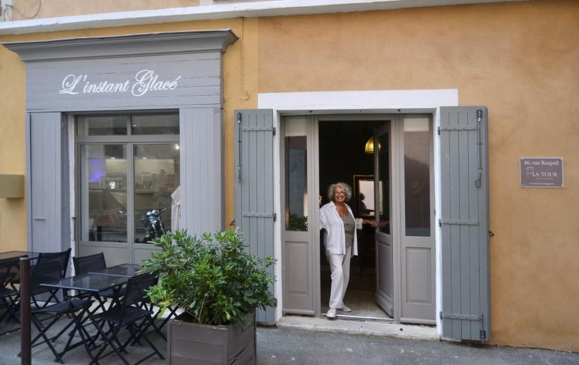 Location de vacances - Studio à L'Isle-sur-la-Sorgue - Bonjour, Nicolle la propriétaire des lieux vous souhaite la bienvenue