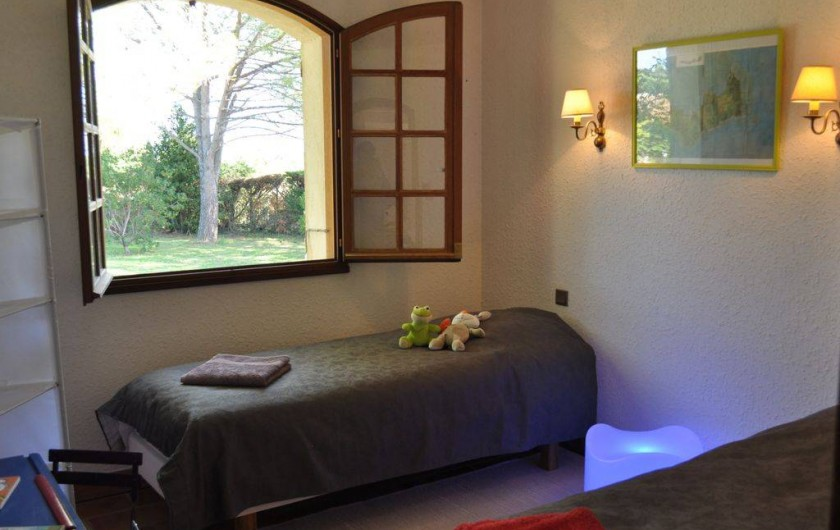 Location de vacances - Villa à Saint-Génies-de-Malgoirès - Chambre deux personnes adultes convertible en une chambre deux lits séparés