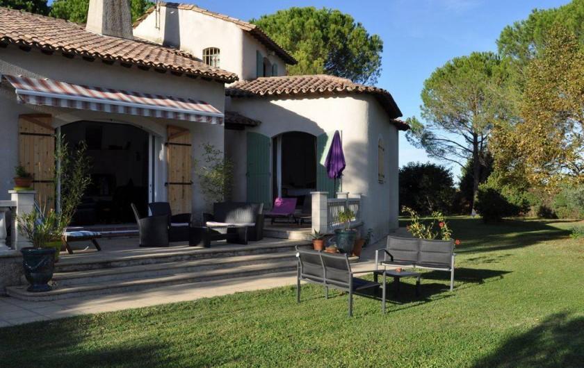 Location de vacances - Villa à Saint-Génies-de-Malgoirès - La terrasse salon