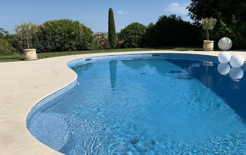 Location de vacances - Villa à Cagnes-sur-Mer - La piscine 9,2m de long The pool , length 9.2m