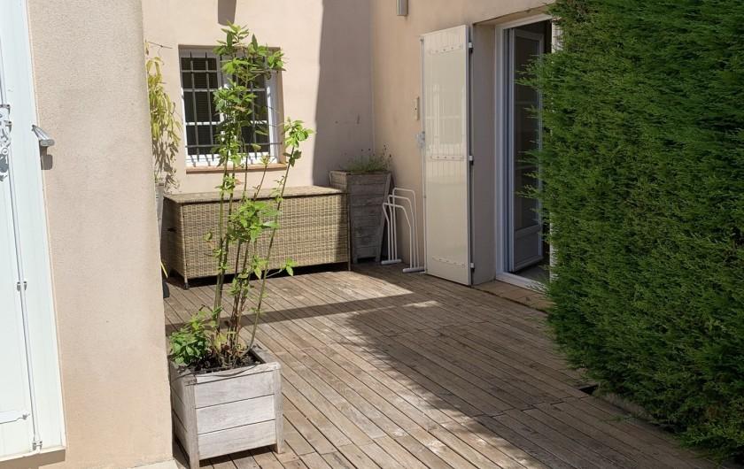 Location de vacances - Villa à Cagnes-sur-Mer - Patio chambre 1 Patio room #1