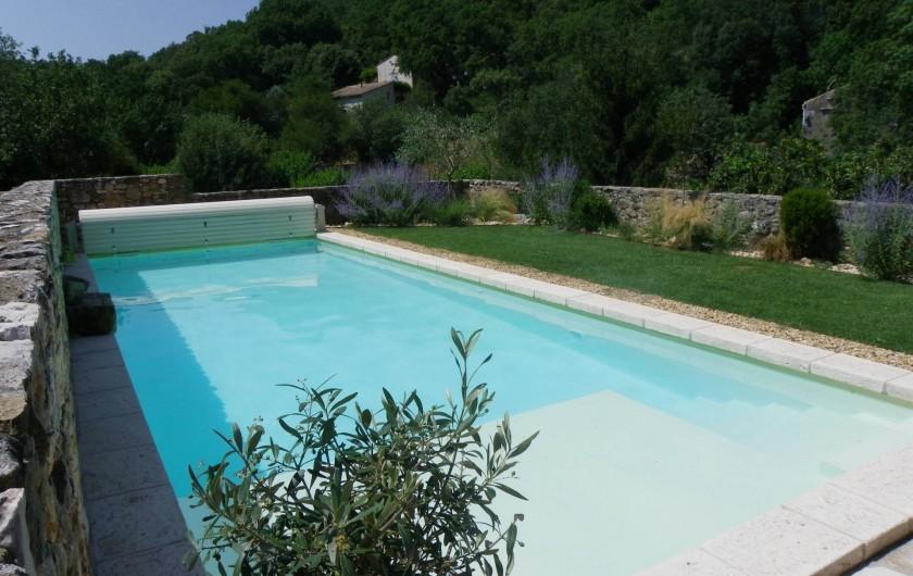 Location de vacances - Gîte à Tharaux - la piscine