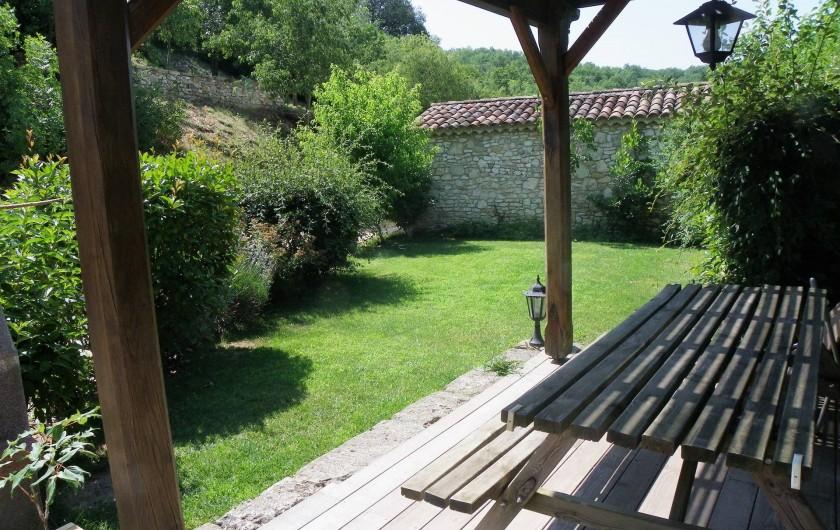 Location de vacances - Gîte à Tharaux - le jardin