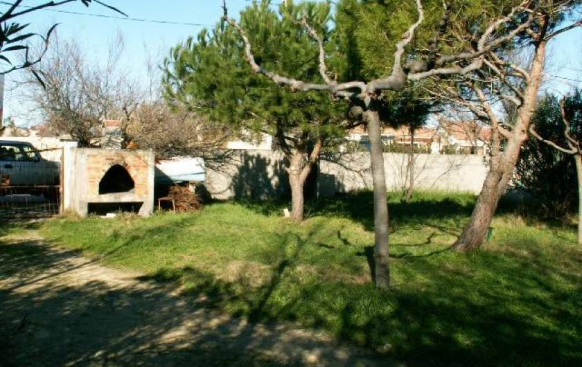 Location de vacances - Appartement à Frontignan - VASTE TERRAIN