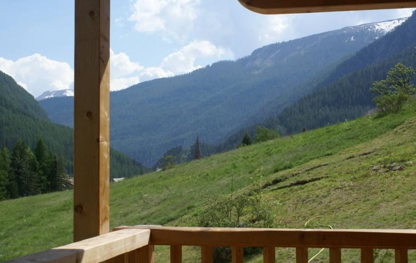 Location de vacances - Chalet à Saint-Paul-sur-Ubaye - vue sur la montagne