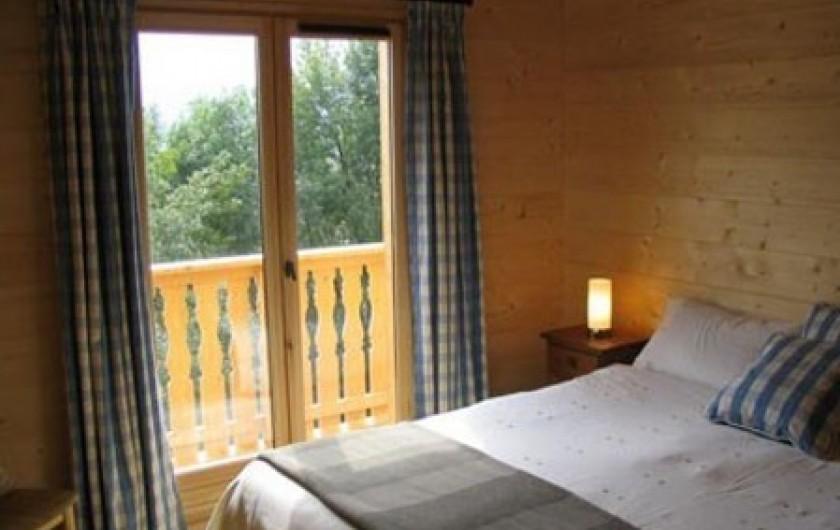 Location de vacances - Chalet à Verchaix - Bedroom  All beds have mattresses with  top comfort rating