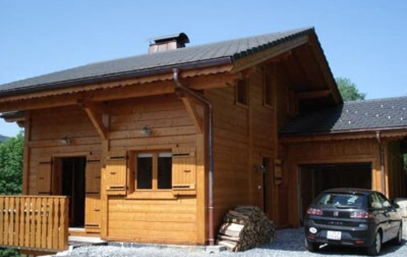 Location de vacances - Chalet à Verchaix - Garage and parking for 3+ cars