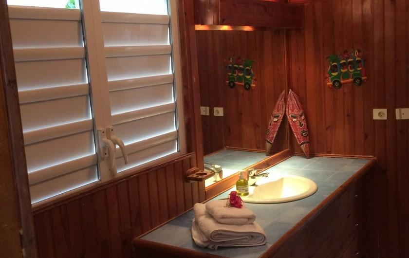 Location de vacances - Villa à Sainte-Anne - salle d'eau 1