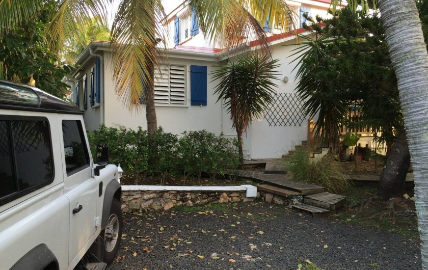 Location de vacances - Villa à Sainte-Anne - parking 2 voitures , sécurisé