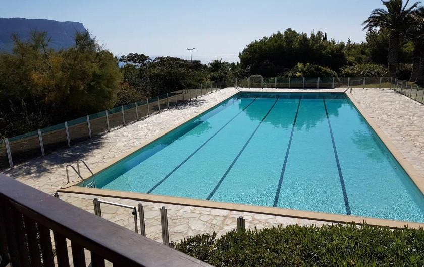 Location de vacances - Appartement à Cassis - La piscine de 25 m