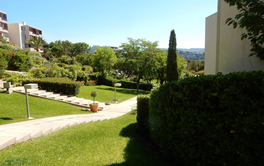Location de vacances - Appartement à Cassis - Le parc de la résidence