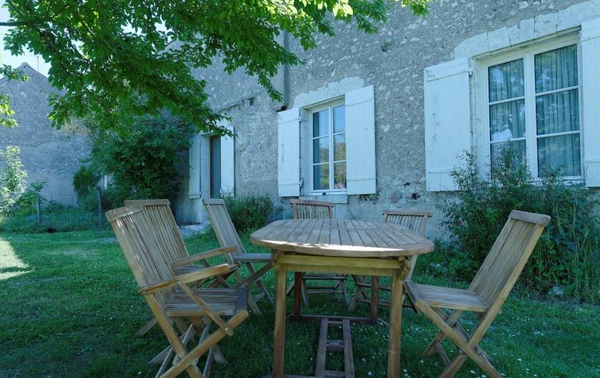 Location de vacances - Appartement à Saint-Dyé-sur-Loire - Table de jardin