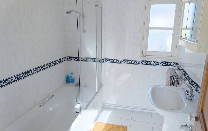Location de vacances - Appartement à Saint-Dyé-sur-Loire - Salle de bain avec Baignoire