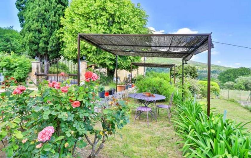 Location de vacances - Gîte à Le Bar-sur-Loup - JARDIN TRES AGREABLE
