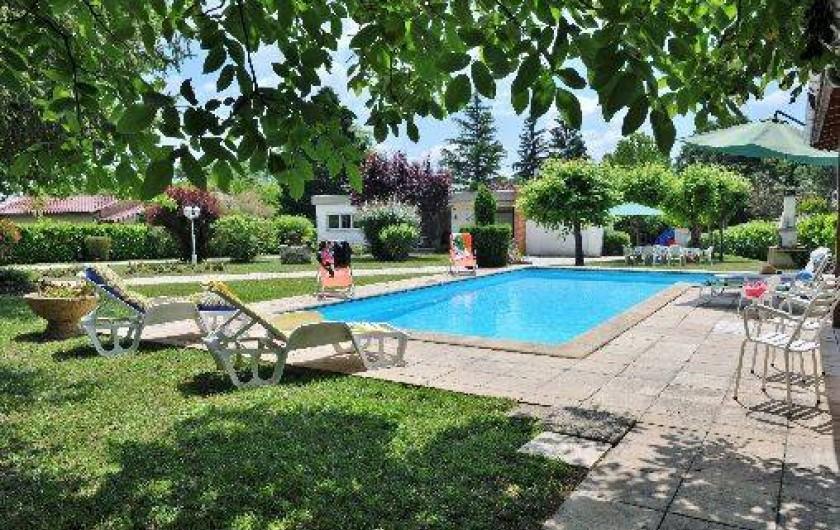 Location de vacances - Villa à Eymet - Grand Espace de Détente   Parc, Piscine, Maison