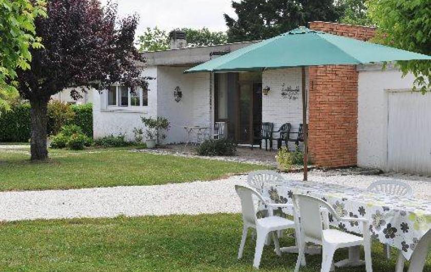 Location de vacances - Villa à Eymet - La  Maison de Plein Pied, style MIAMI