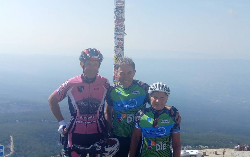Location de vacances - Studio à Piolenc - Le sommet du Mt Ventoux les cyclistes pourrons se joindre a nous .