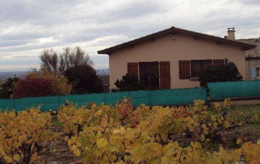 Location de vacances - Gîte à Odenas - votre gite domaine du barvy en automne