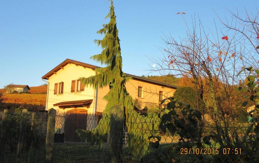 Location de vacances - Gîte à Odenas - votre arrivée au gite domaine du barvy
