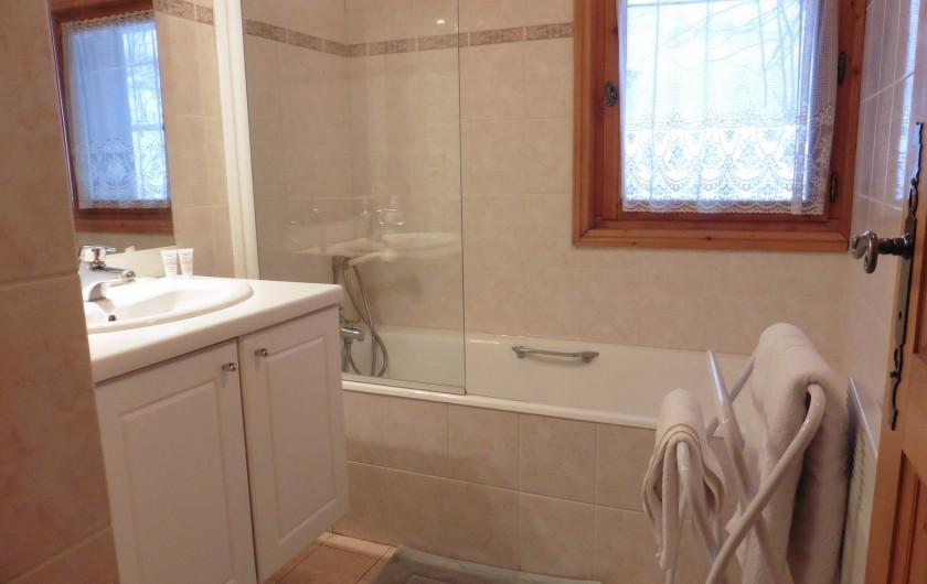 Location de vacances - Chalet à Saint-Nicolas de Véroce - La salle de bain