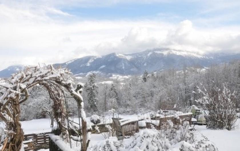 Location de vacances - Appartement à Charvonnex - le jardin l'hiver