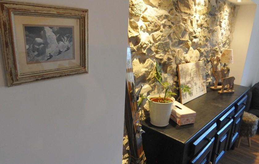 Location de vacances - Appartement à Charvonnex - charme et authenticité des murs en pierre