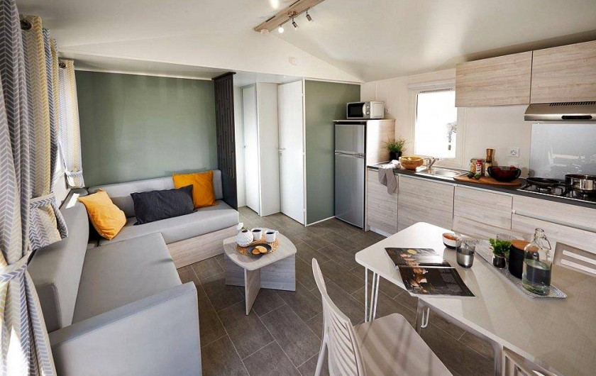 "Mobil Home ""confort"" terrasse ouverte"