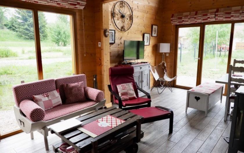 Location de vacances - Chalet à La Pesse - salon et séjour