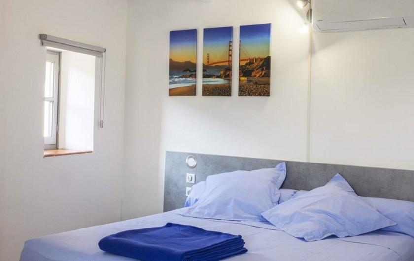 Location de vacances - Gîte à Seynes - CHAMBRE QUEEN SIZE