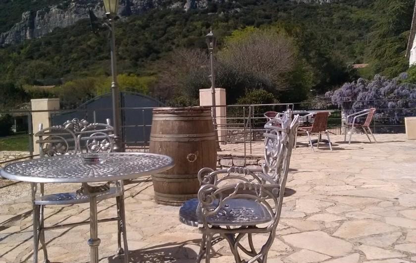 Location de vacances - Gîte à Seynes - TERRASSE avec vue sur le Mont Bouquet