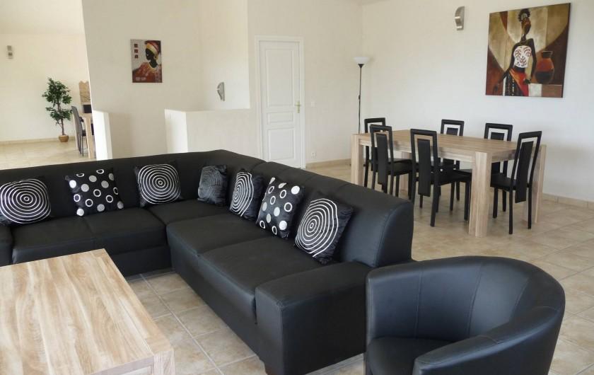 Location de vacances - Villa à Sainte-Lucie de Porto-Vecchio - SALON / SALLE À MANGER