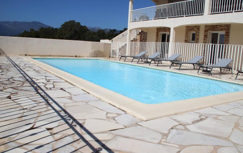 Location de vacances - Villa à Sainte-Lucie de Porto-Vecchio - PISCINE