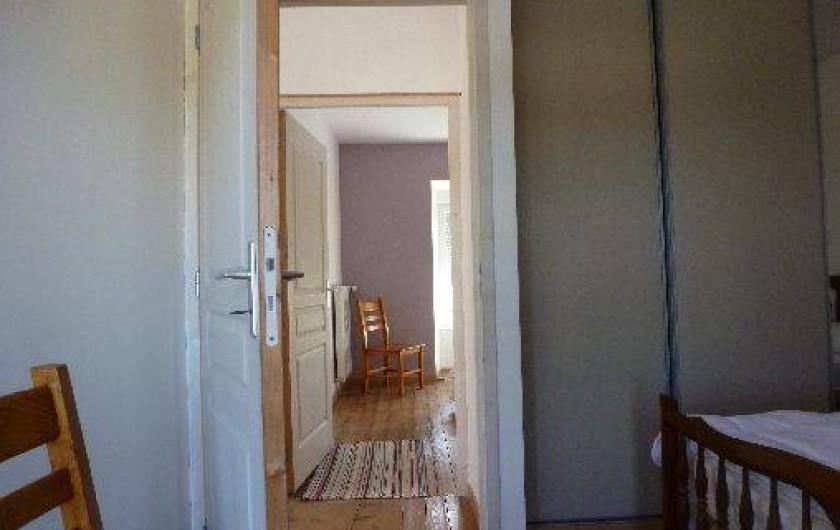 Location de vacances - Gîte à La Chapelle-Largeau - depuis Chambre (gris perle ) avec douche Gîte N°1 AUBES , vers ch Mauve