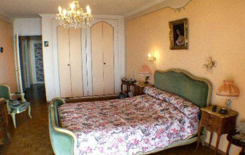 Location de vacances - Appartement à Roquebrune-Cap-Martin - chambre 1 vue sur mer