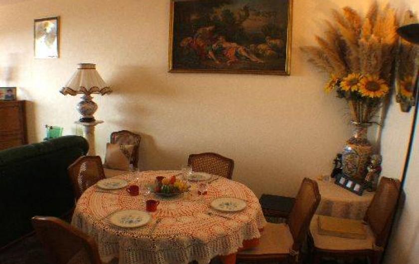 Location de vacances - Appartement à Roquebrune-Cap-Martin - séjour coin repas