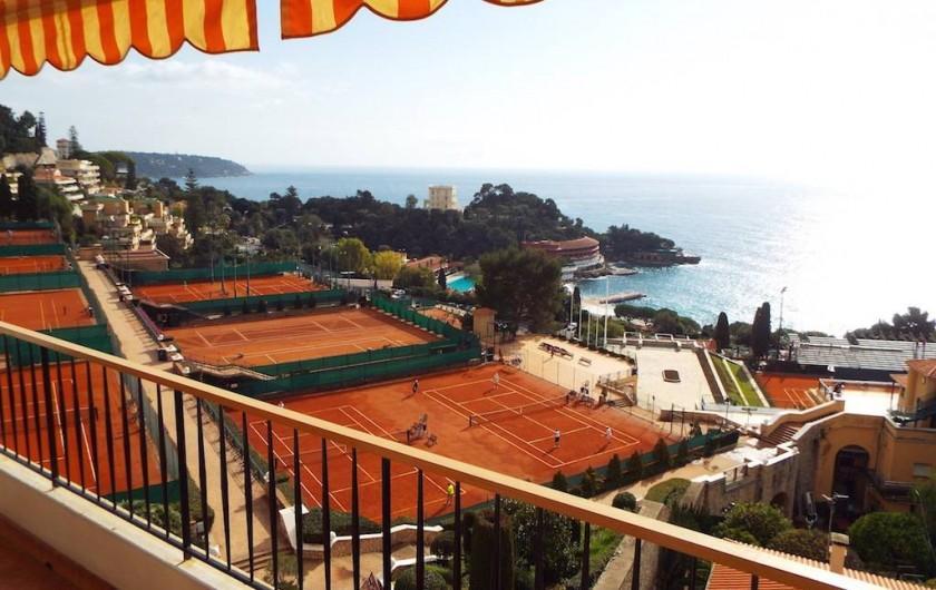 Location de vacances - Appartement à Roquebrune-Cap-Martin - terrasse vue sur tennis