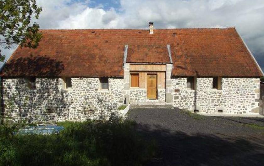 Location de vacances - Gîte à Champagnac - entrée des gîtes