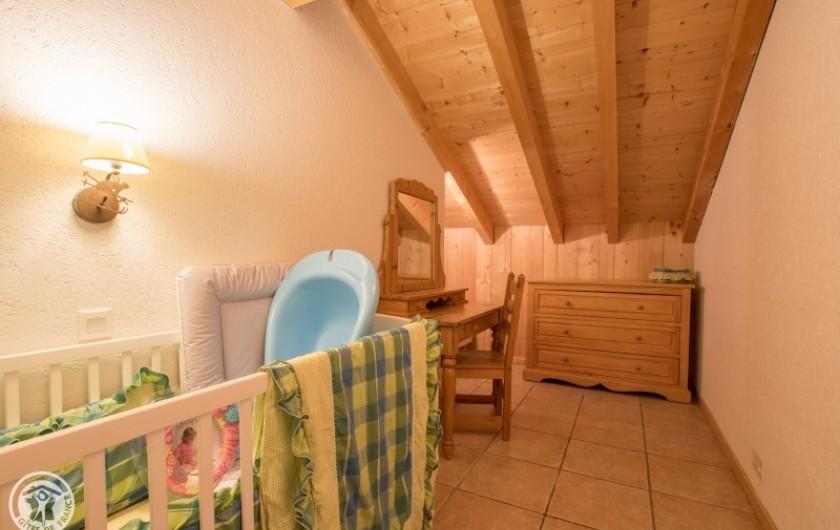 Location de vacances - Chalet à Châtel - coin  enfants avec il manque sur photo 1 lit + 1 lit bébé de la chambre 3