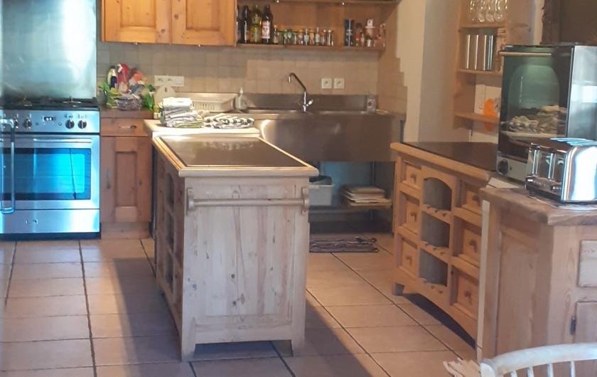 Location de vacances - Chalet à Châtel - salle de bain en commun a la chambre 7 et 8