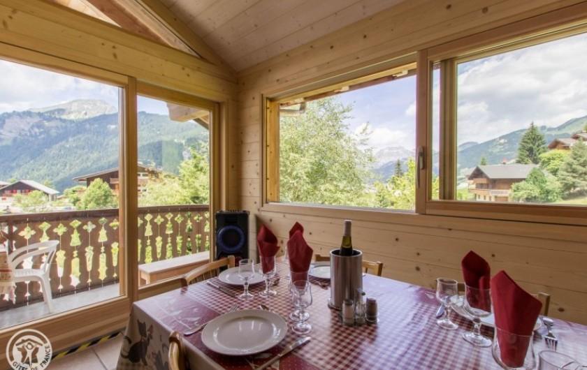 Location de vacances - Chalet à Châtel - vue de la salle a manger