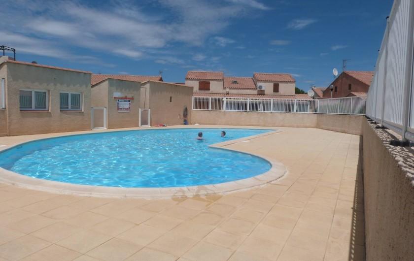 Location de vacances - Villa à Gruissan Plage - la piscine de la résidence